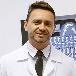 Dr. Daniel Simões Rosa